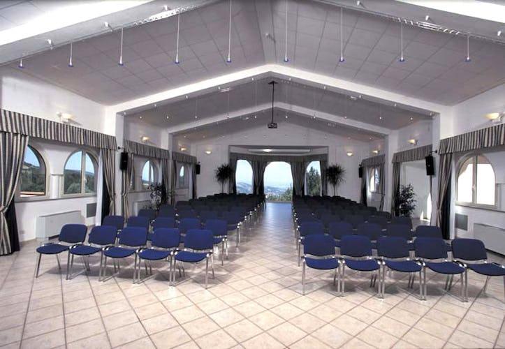 La sala del resort dove poter organizzare inconti di lavoro