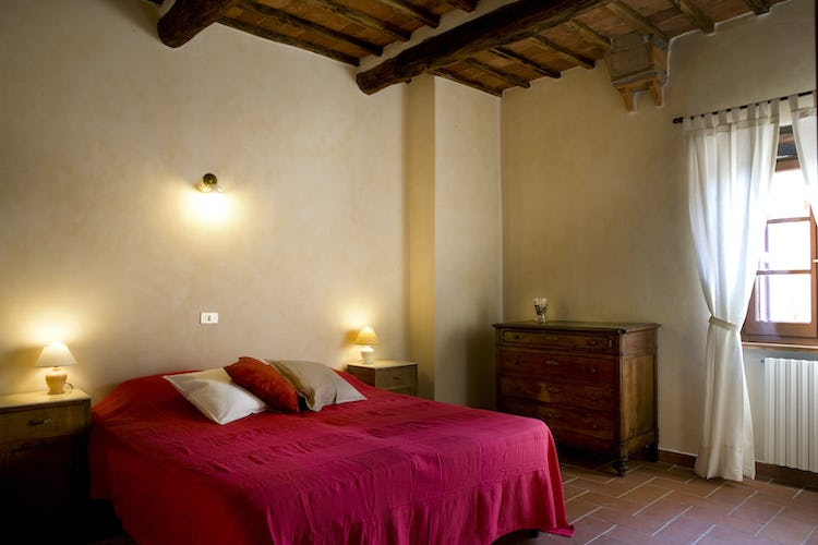 Agriturismo Podere Argena: Typical Tuscan Decor