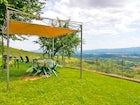 Podere Casarotta: l'ampio giardino dove rilassarsi con vista sul paesaggio