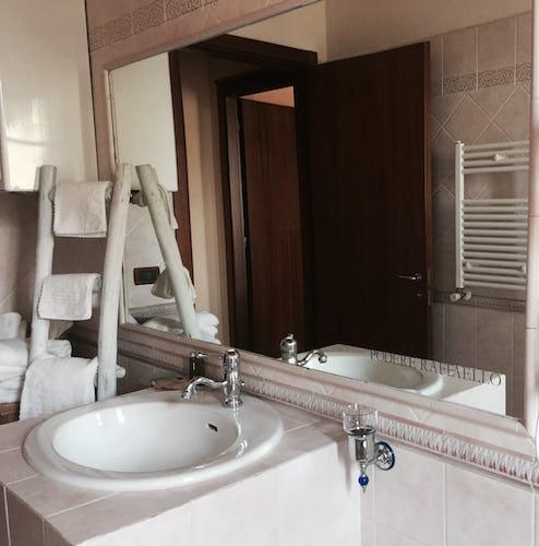 Podere Raffaello - Il bagno degli ospiti