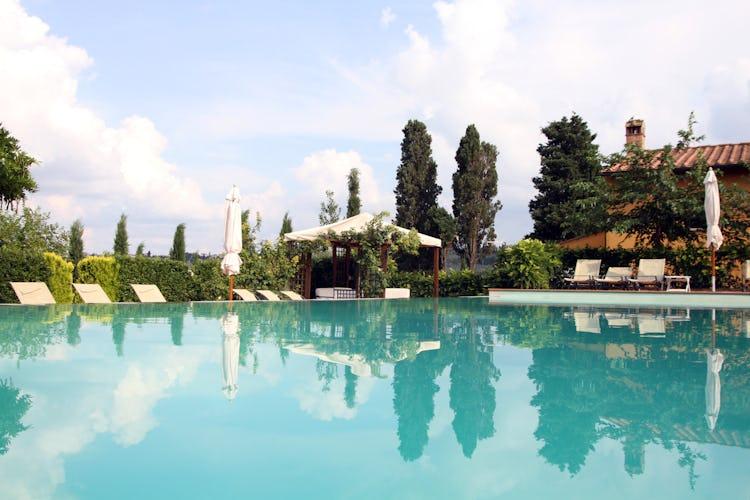 Podere Villa Bassa - Poolside View