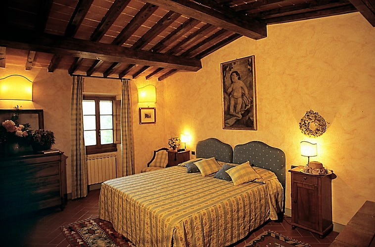 Relais Poggio Borgoni - Tuscan bedroom