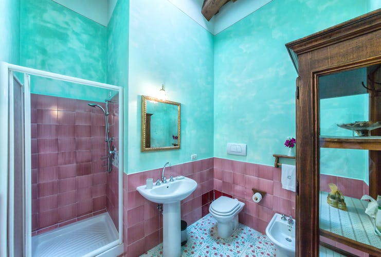 Residence Il Gavillaccio - featuring modern bathroom facilities in each vacation apartment
