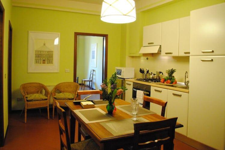 Le cucina sono ampie e funzionali, in alcune vi si può anche mangiare