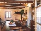 Cozy farmhouse dining room in Pistoia