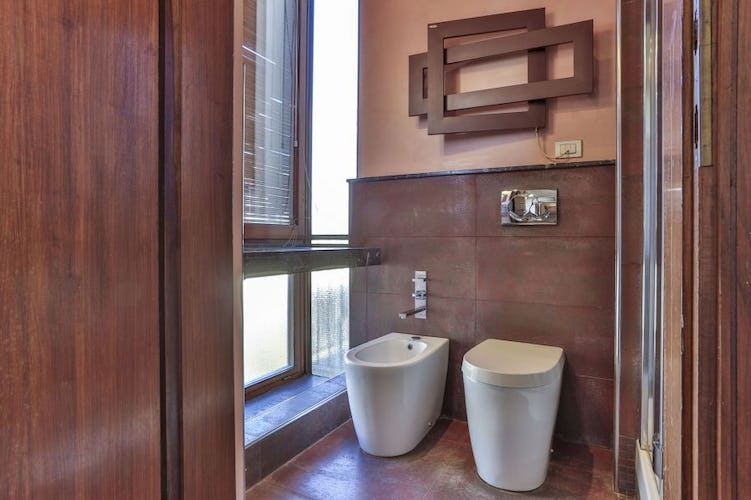 Santa Croce Vacation Apartment in Florence with WiFi & AC