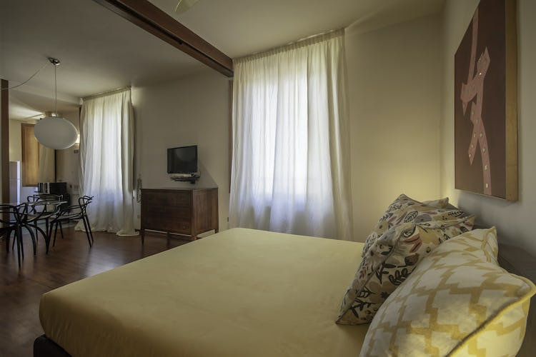 Serena DesignApartmentFlorence - Flair of the Italian Design