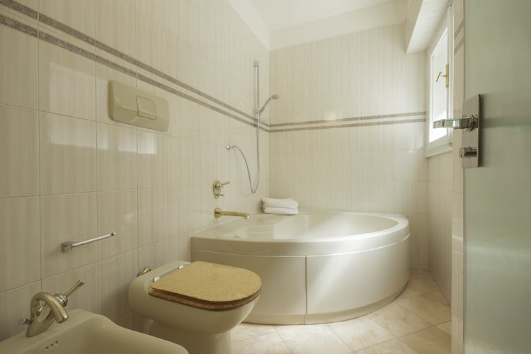 Serena DesignApartmentFlorence - Bathroom in marble