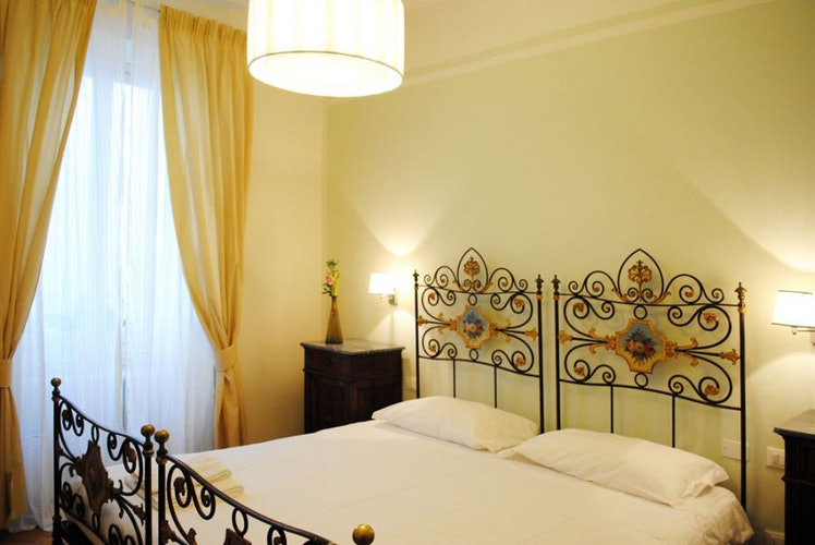 Lungarno bedroom