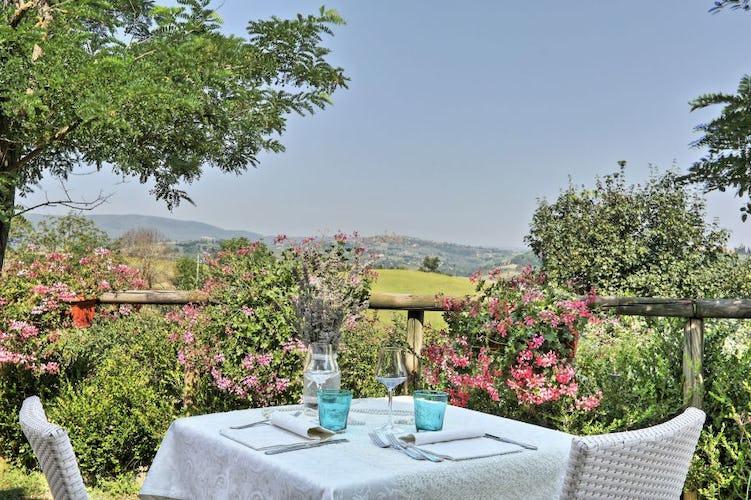 La colazione può essere consumata su una terrazza panoramica