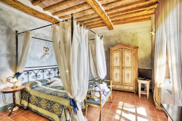 Le suite più grandi vantano persino di un salottino con divano letto