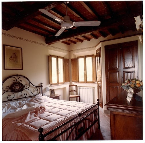 Bedroom in Galileo Apartment in Chianti Villa