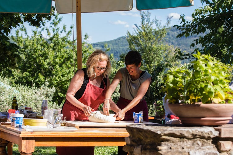 Terzo di Danciano: Roll out the dough in Tuscany
