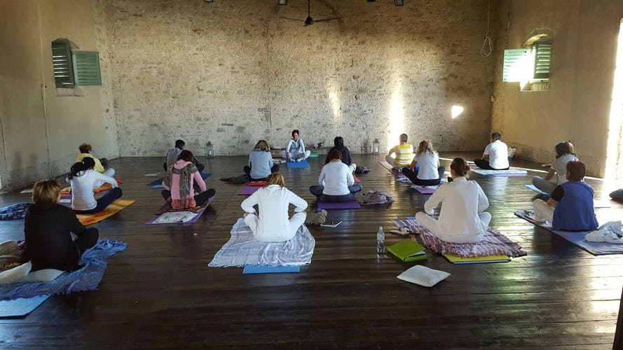 Terzo di Danciano: Hardwood floors for Yoga retreat