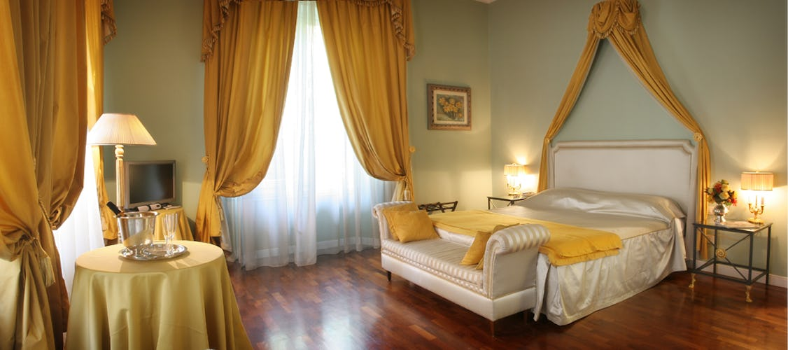 Luxury B&B Rooms in Florence at Villa Antea