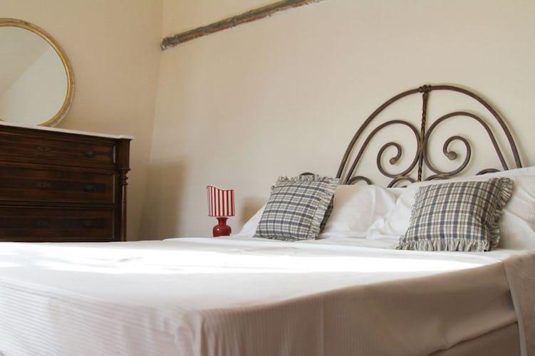 Potete scegliere se affittare l'intera villa o le camere B&B
