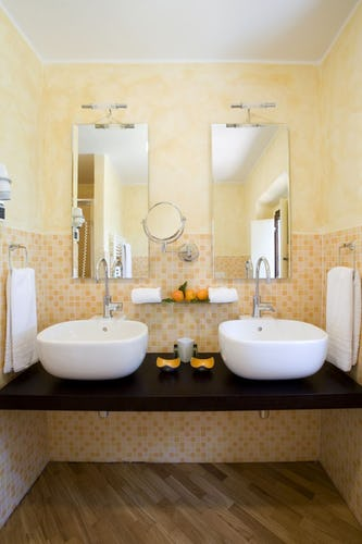 Villa I Barronci: private bathrooms with hairdryers