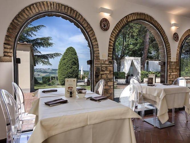 Villa I Barronci: a Tuscan resort