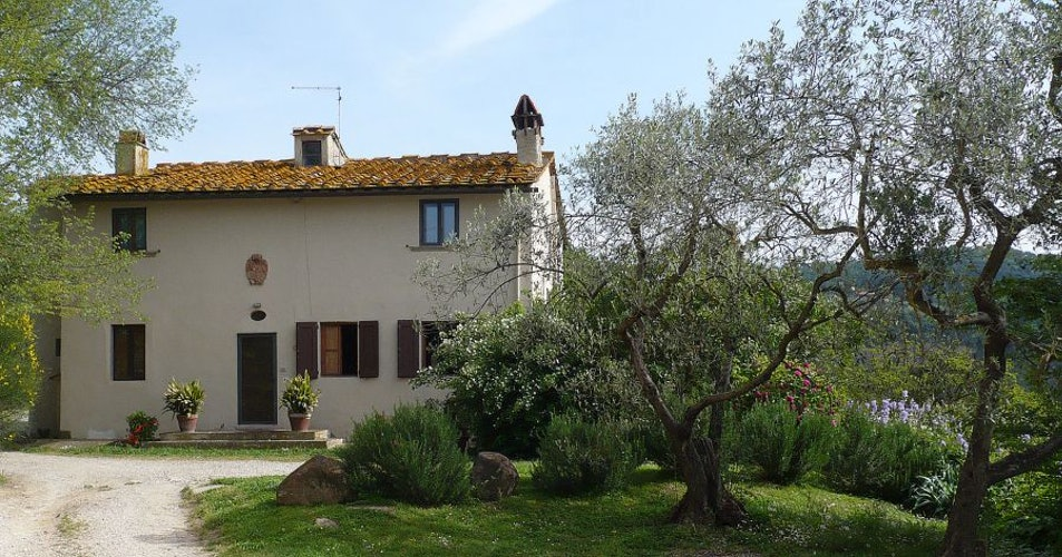 Villa i Lami is surrounded by the Tuscan landscape rosemary & lavendar