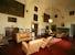 La villa cinquecentesca è dotata di prestigioso mobilio antico