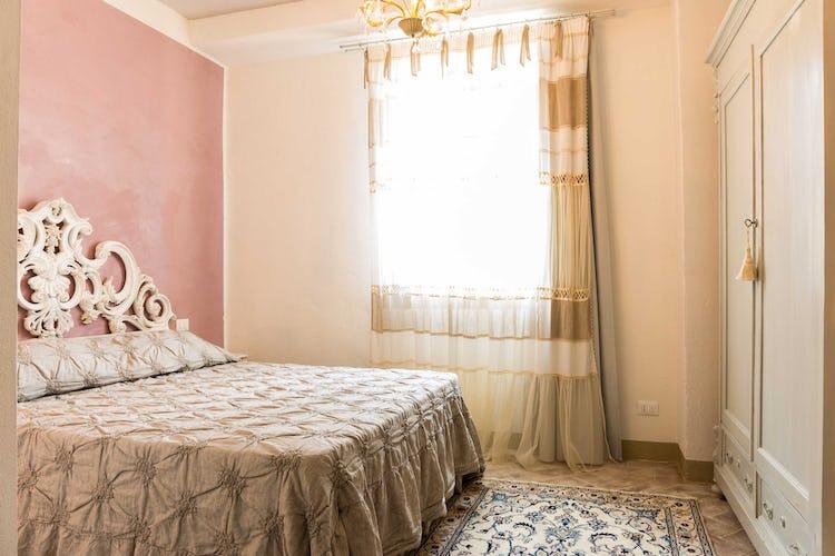 Villa La Fonte - Arredo in stile classico, in armonia con i colori delle pareti