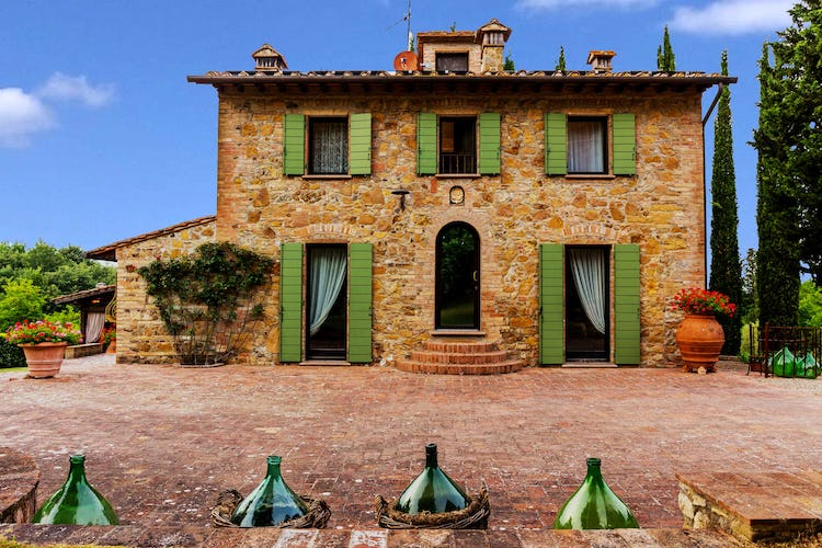 Villa La Fonte Vacation Rental - restored Tuscan farmhouse
