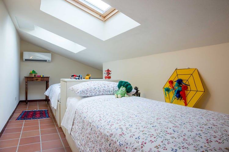 Villa La Fonte Vacation Rental - Kids room with skylight