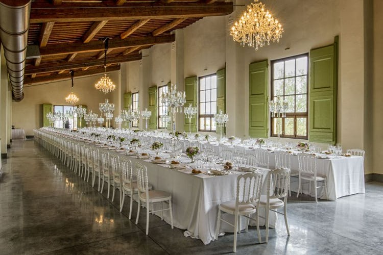 Plan your wedding with Italian elegance and charm at a villa Medicea