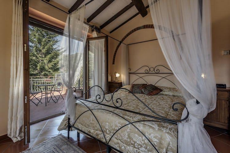 Villa Poggio di Gaville - Deluxe Bedroom