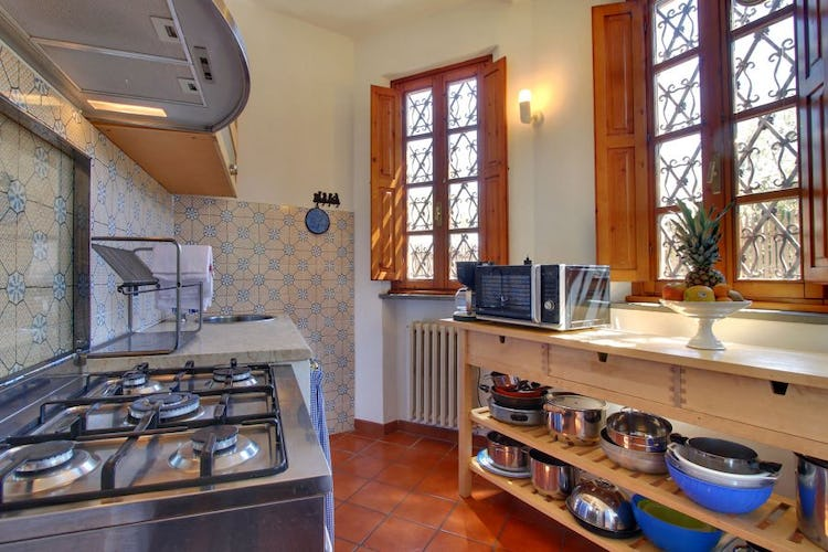 Fully equipped kitchen for preparing meals together