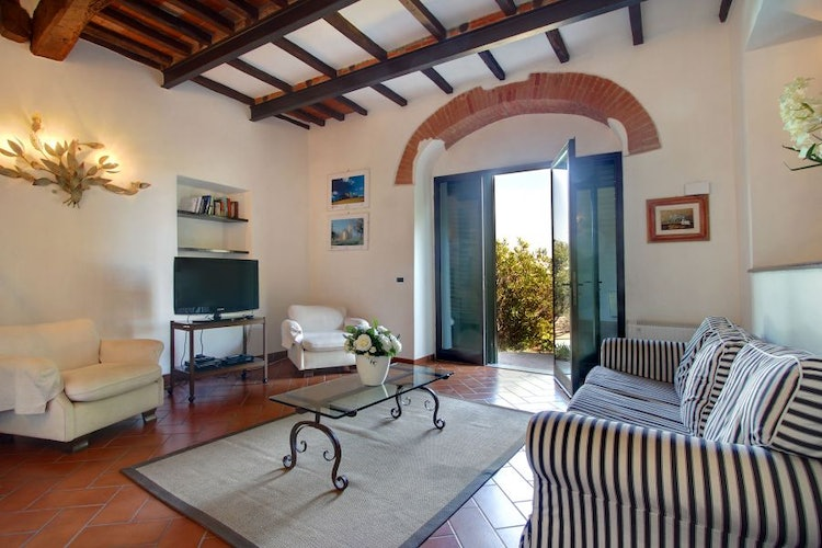 Spacious rooms for tranquility & relax at Villa Stolli