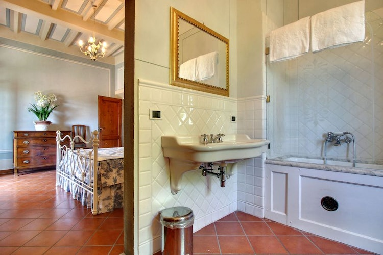 Three bathrooms & a guest bathroom on the ground floor at Villa Stolli