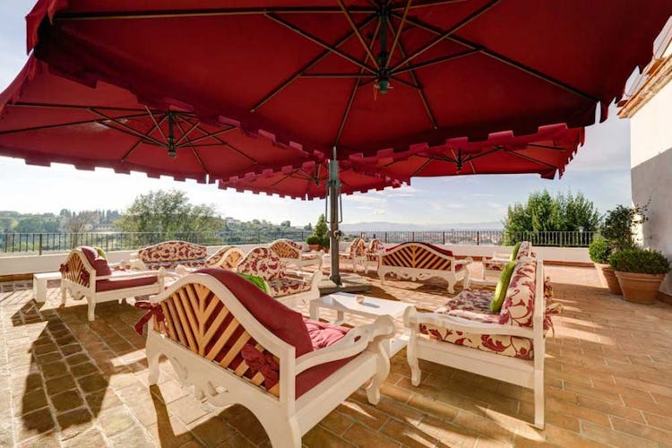 Relax in comfort at Villa Tolomei within walking distance of Florence