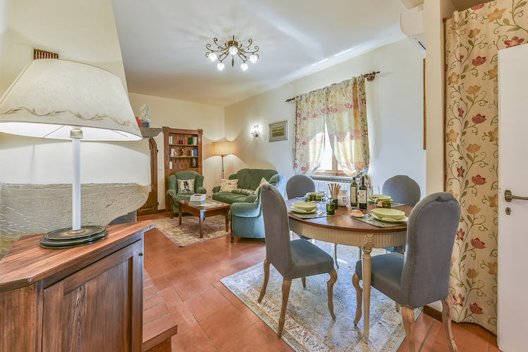 Fattoria Viticcio Rental Apartments & Vineyard: comfortable living areas