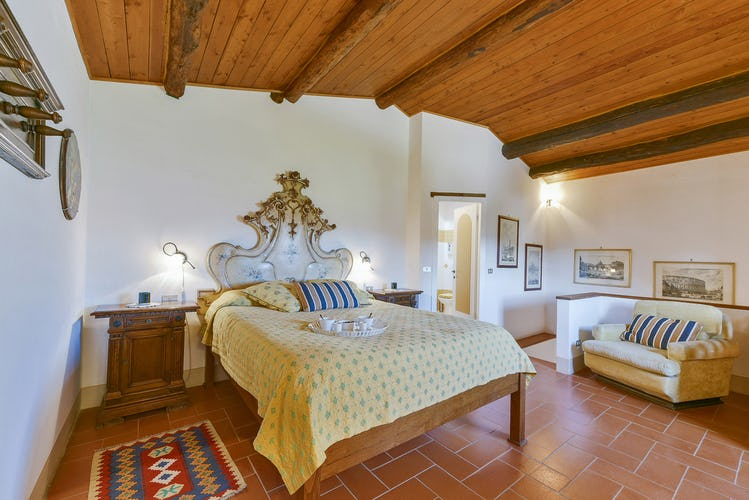 Fattoria Viticcio Rental Apartments & Vineyard: tranquil surroundings for long walks